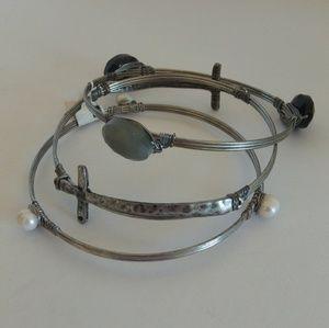 Cute 3 Piece Bangle Bracelet Set NWT